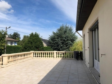 photo du bien immobilier ST GENEST LERPT - 150m²